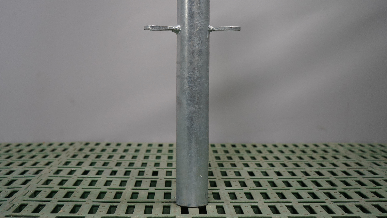 Pfosten Futtertischhorde Mitte 60 mm zum Einbetonieren