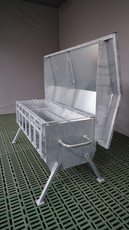 Lämmer Futterautomat mit Füßen